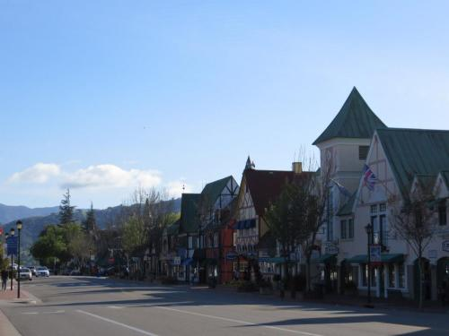 Solvang (head along to Sevtap)